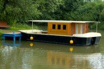Houseboat na Baťově kanálu