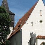 Skramníky kostel se hřbitovem