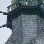 3892: Namísto sochy Jana Nepomuckého byl usazen (1928, Zbraslav) kámen menhirového typu