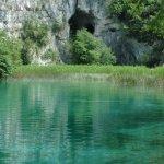Plitvická jezera s proslulou jeskyní z Pokladu na Stříbrném jezeře