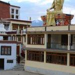 klášter a klášterní škola Likir s mladými mnichy